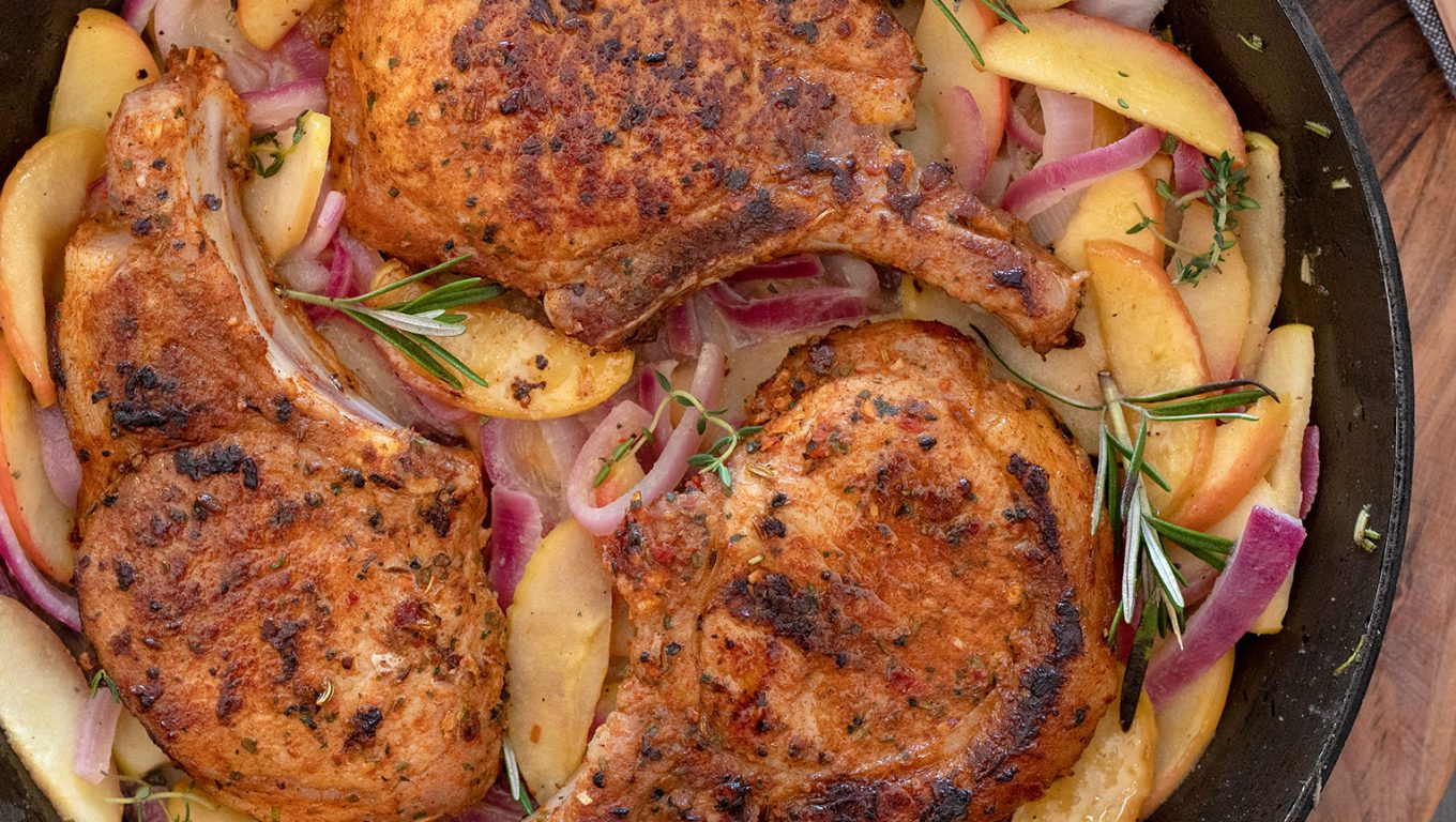 Pork Cutlets with Apples and Onions