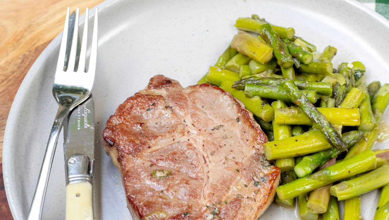 Pork Scotch Steaks and Asparagus Sauté
